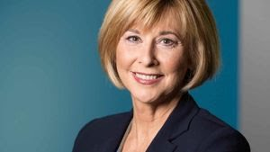 Lorna Dueck Retires from Crossroads Christian Communications